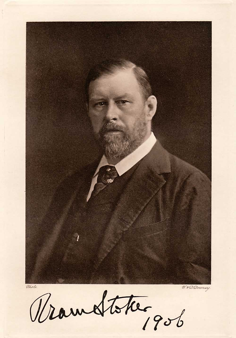 a biography and life work of abraham bram stoker an irish writer