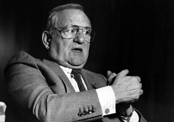 an analysis of lee iacocca vice president and general manager of ford division in 1961 History of the ford mustang: in 1961, lee iacocca, vice president and general manager of ford division, had a vision his vision was a car that would seat four people, have bucket seats, a floor mounted shifter, be no more than 180 inches long, weigh less than 2500 pounds, and sell for less.