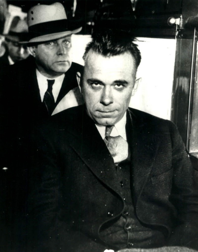 a biography of john dillinger a gangster Get this from a library john dillinger [rick maultra wcty (television station : indianapolis, ind)] -- the life of indiana's most notorious gangster is chronicled in this episode that features exclusive photographs and interviews from family and friends that have never been heard from.