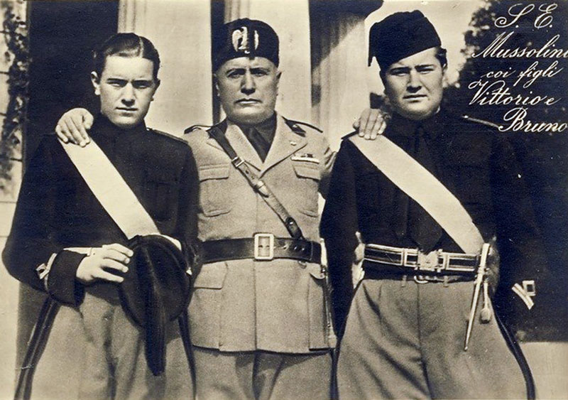 https://persons-info.com/userfiles/image/persons/20000-30000/22000-23000/22545/MUSSOLINI_Benito2.jpg