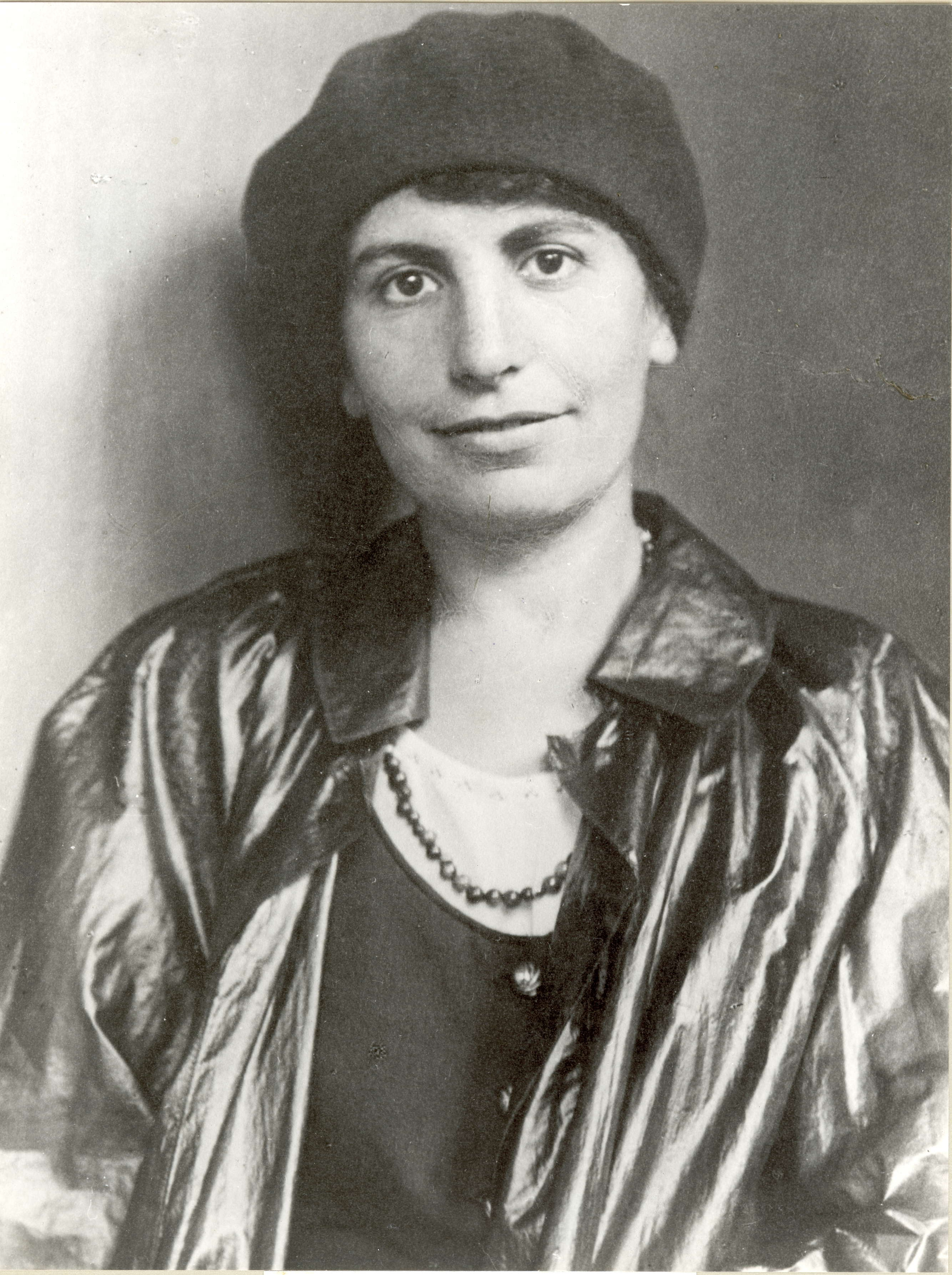 the life and contributions of anna freud Lost girl doug davis there is no freud scholarship without a transference onto freud when thou dost ask me blessing, i'll kneel down, and ask of.