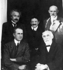 Front row: Arthur Eddington and Hendrik Lorentz; back row: Albert Einstein, Paul Ehrenfest and Willem de Sitter at the Leiden Observatory, circa September 1923. Photo courtesy AIP Emilio Segrè Visual Archives.